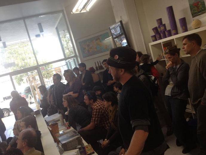 EW-crowd